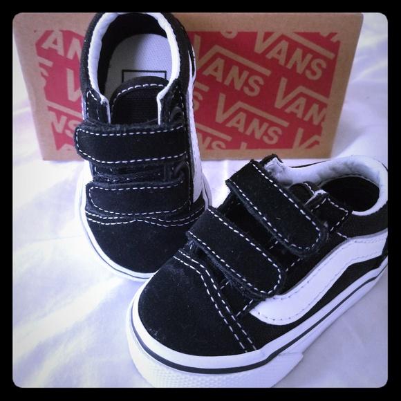 d98adbe5eba1cb Shoes Black Poshmark And Infant Vans White O6vxdwOq